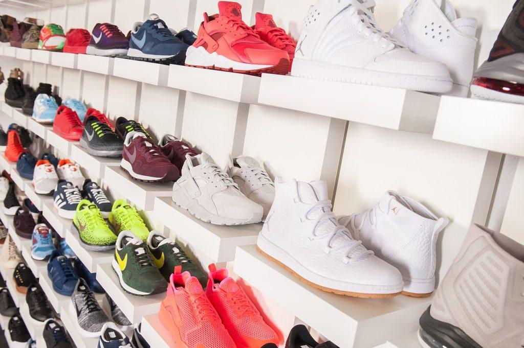 スニーカー-靴